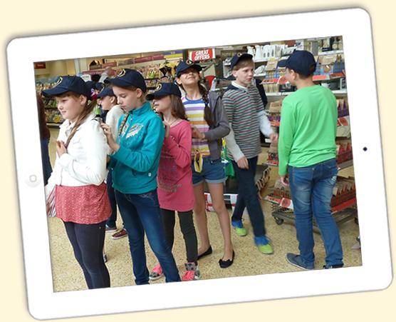 Story Massage children in shop